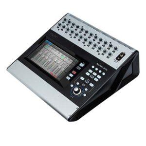 <span>QSC</span>CONSOLA DIGITAL QSC TOUCHMIX-30  32 CANALES